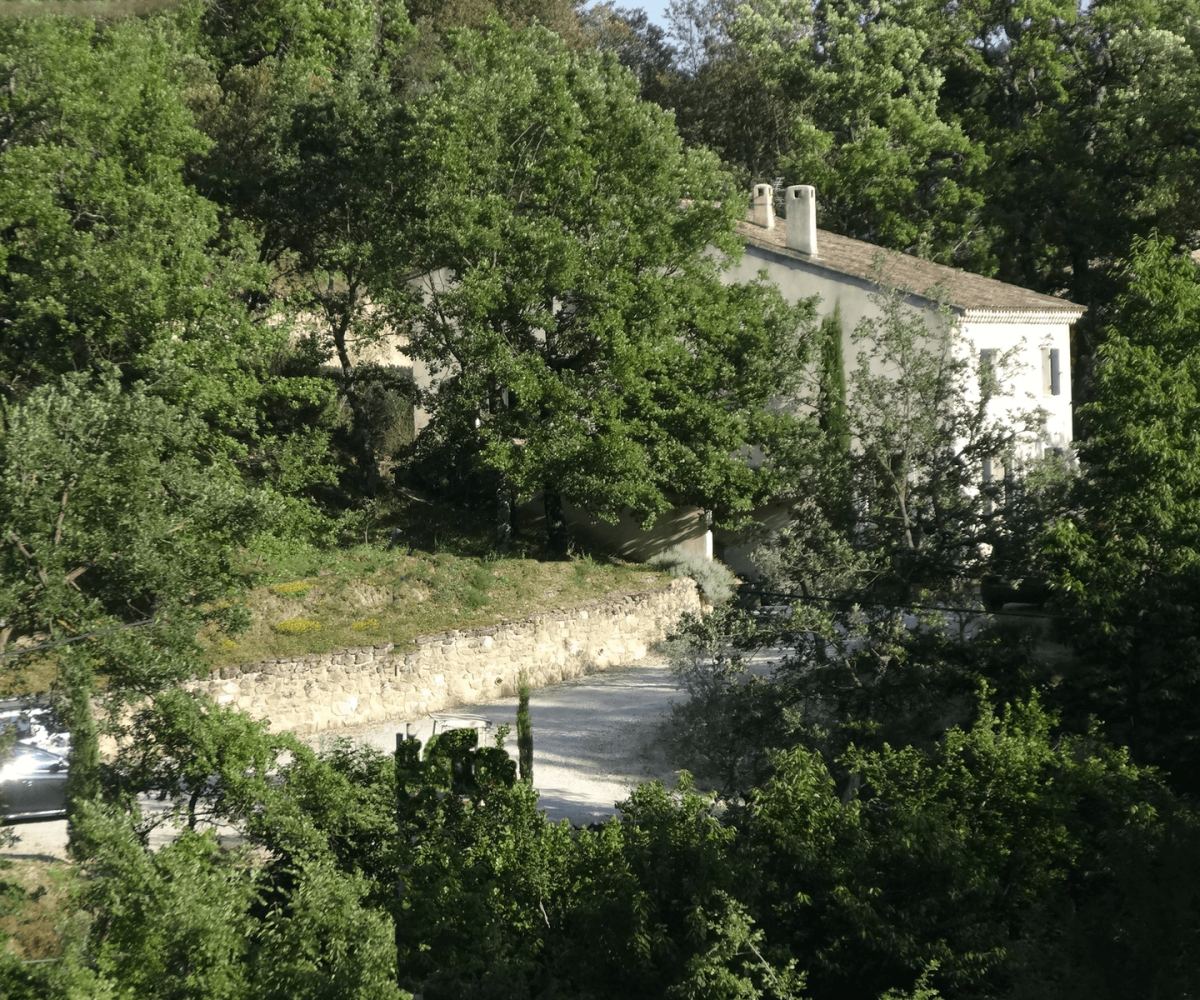 Luberon villages Provence France Rent-Our-Home rentourhomeinprovence Lourmarin Pibaraud