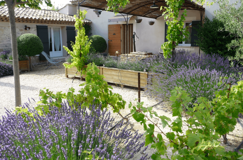 Luberon villages Provence France Rent-Our-Home rentourhomeinprovence Lourmarin Casellas