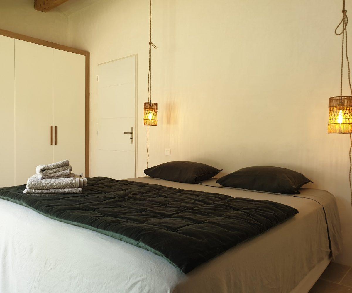 Luberon villages Provence France Rent-Our-Home rentourhomeinprovence Lourmarin Charpentier La Bergerie Rognes